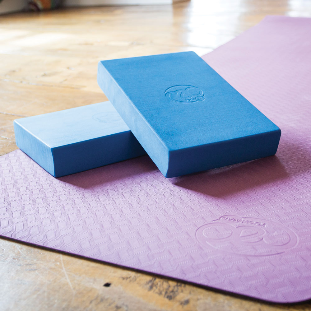 toesox yoga blok en yoga mat