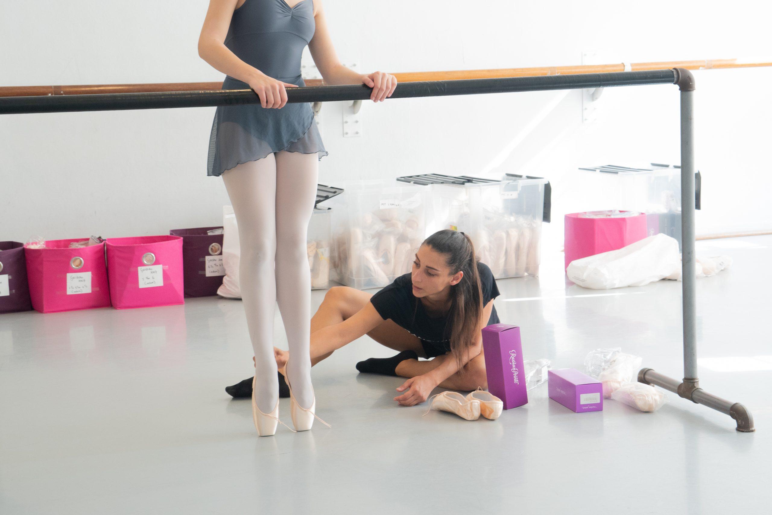 Spitzen aanmeten op de dansschool Danswinkel.nl