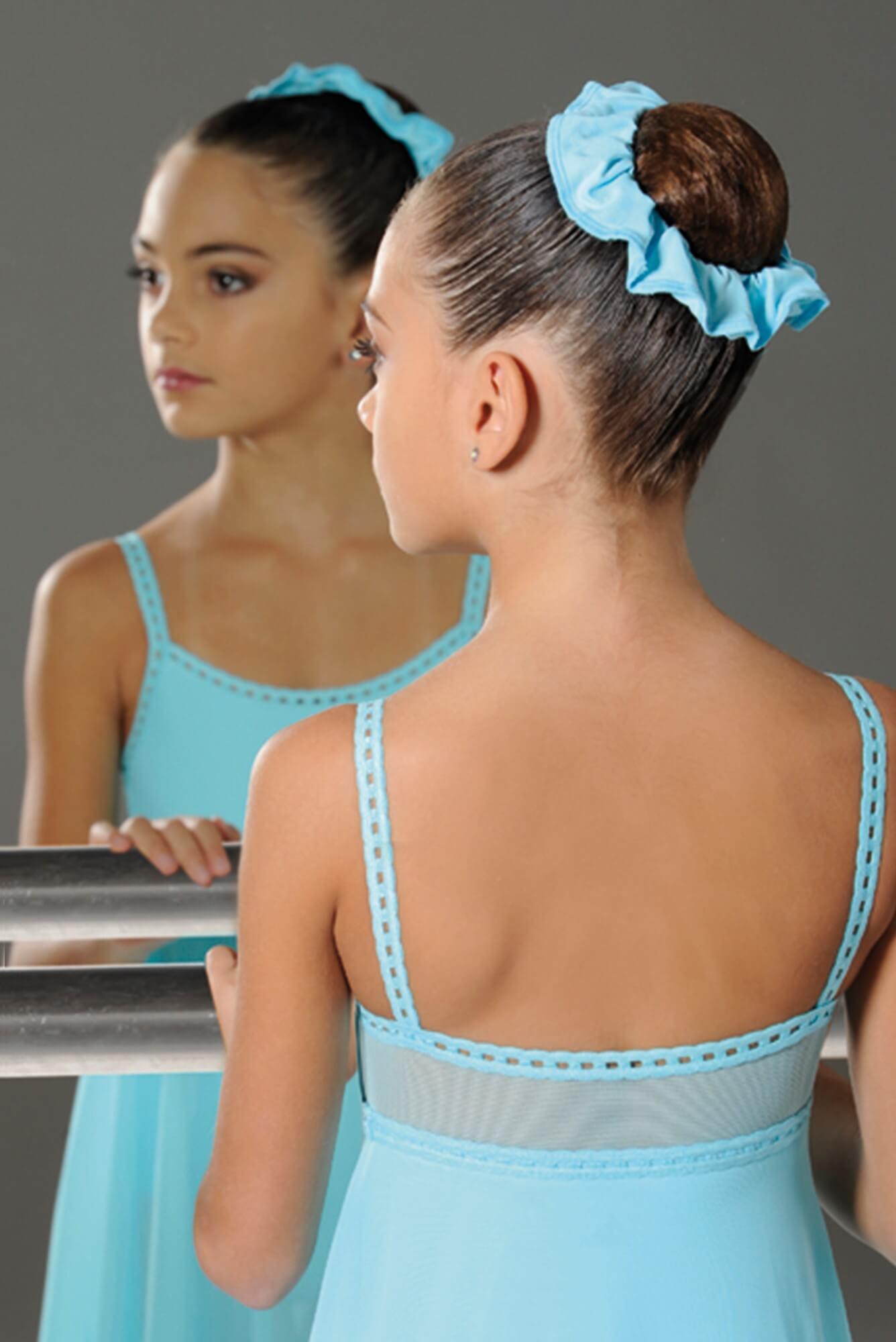 Wear moi haar scrunchie voor de balletknot