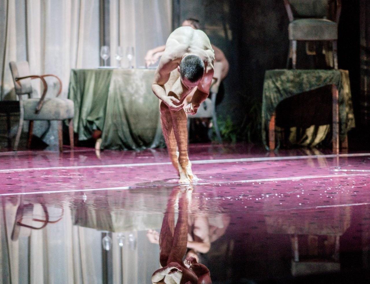 peeping tom triptych foto Maarten Vanden Abeele dansvoorstelling streams