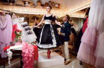 Valentino meet kostuum aan bij New York City Ballet Solist Sara Mearns