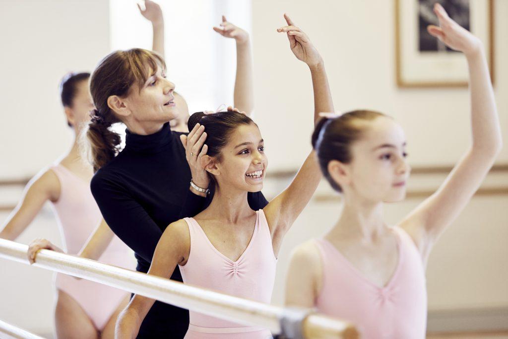 balletles proberen goede houding aanleren