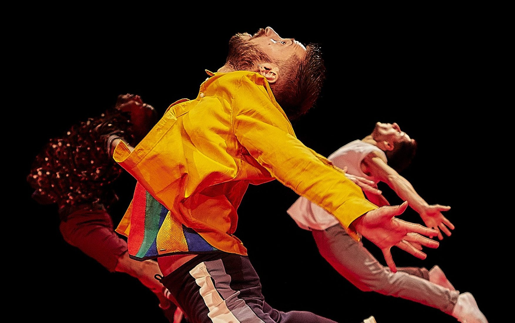 dansvoorstelling mei KEIHARD-SALLY-Dansgezelschap-Maastricht-foto-Tycho-Merijn-HR