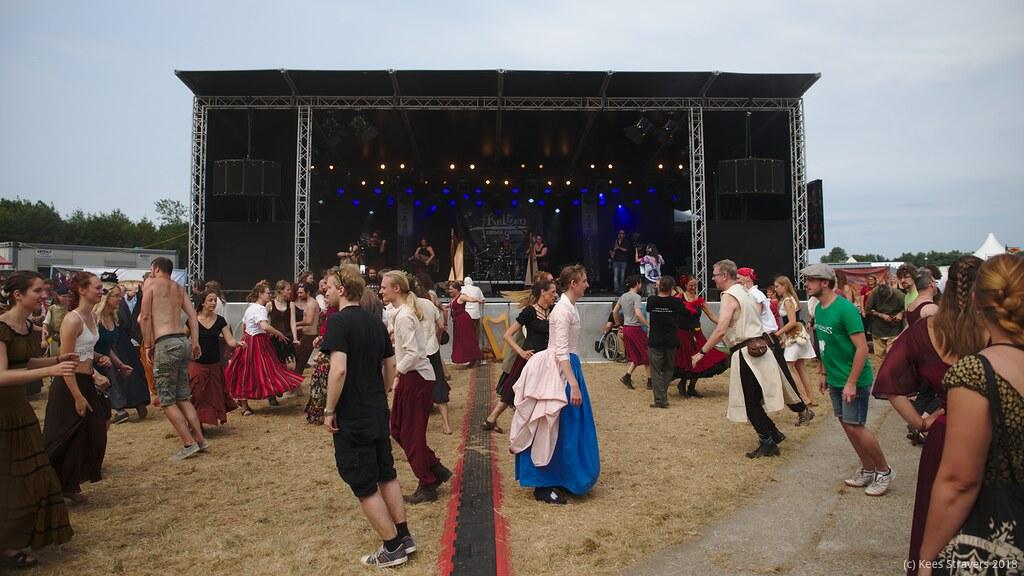 balfolk op middeleeuws festival
